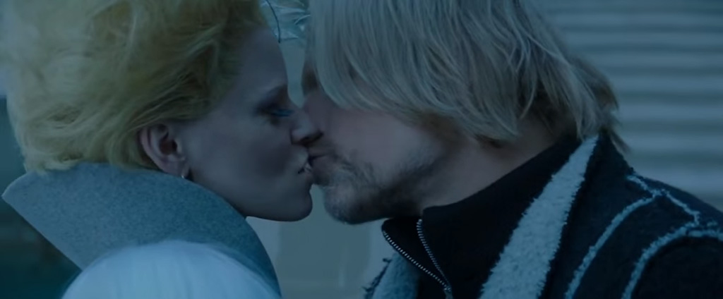 the-hunger-games-kiss
