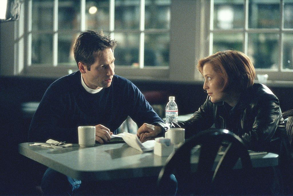 x-files-scully-mulder-kiss