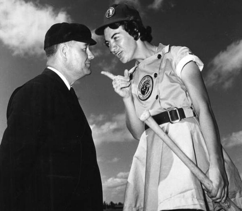 10-women-in-baseball-aagpbl-girls-baseball-52401