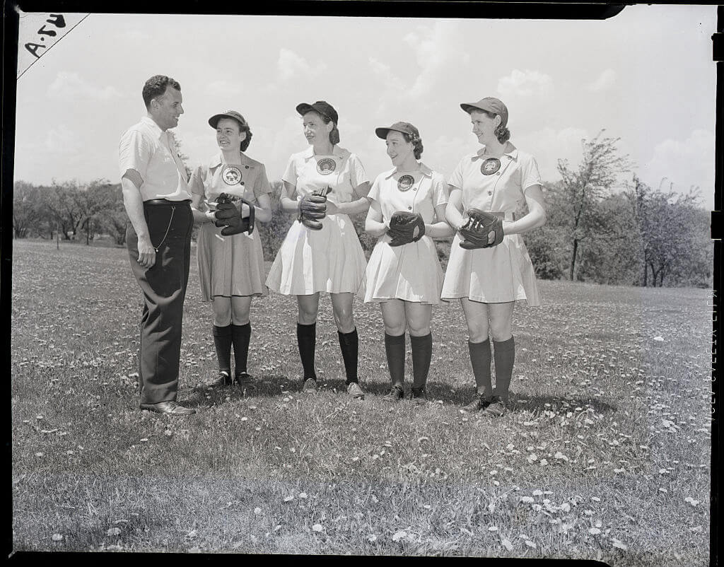 16-women-in-baseball-aagpbl-girls-baseball-47577
