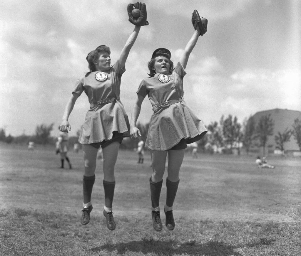 2-women-in-baseball-aagpbl-girls-baseball-66562