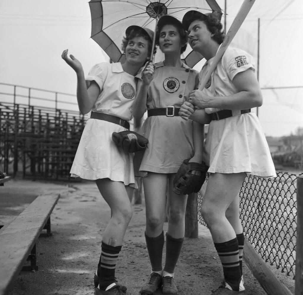 8-women-in-baseball-aagpbl-girls-baseball-25480
