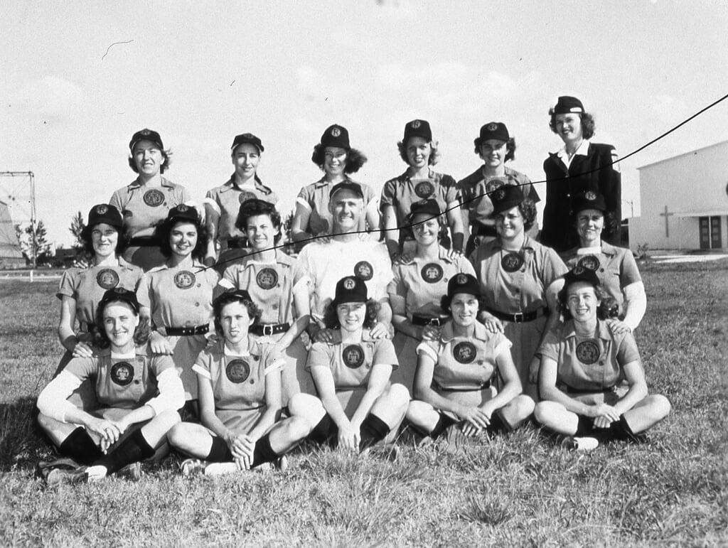 9-women-in-baseball-aagpbl-girls-baseball-50355