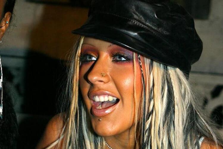 Christina-Aguilera-makeup-fail-43039-76112.jpg