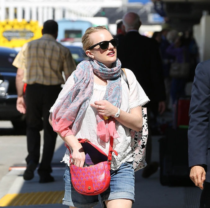 Elisabeth wearing a scarf