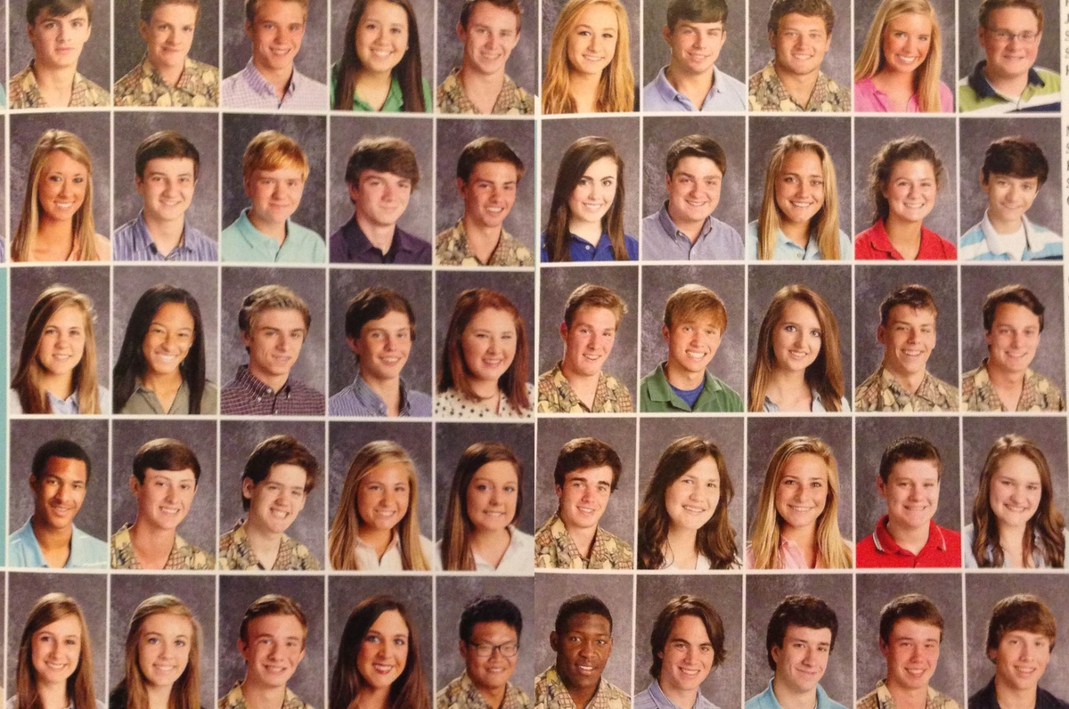 students wear same shirt on picture day