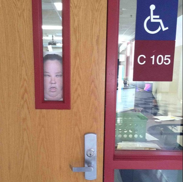 student posts pic of mama june in school window