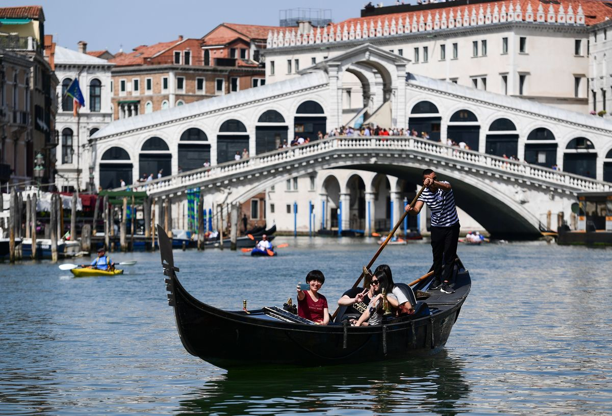 ITALY-VENICE-TOURISM-FEATURE