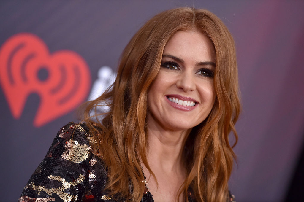 Isla Fisher attends the 2018 iHeartRadio Music Awards