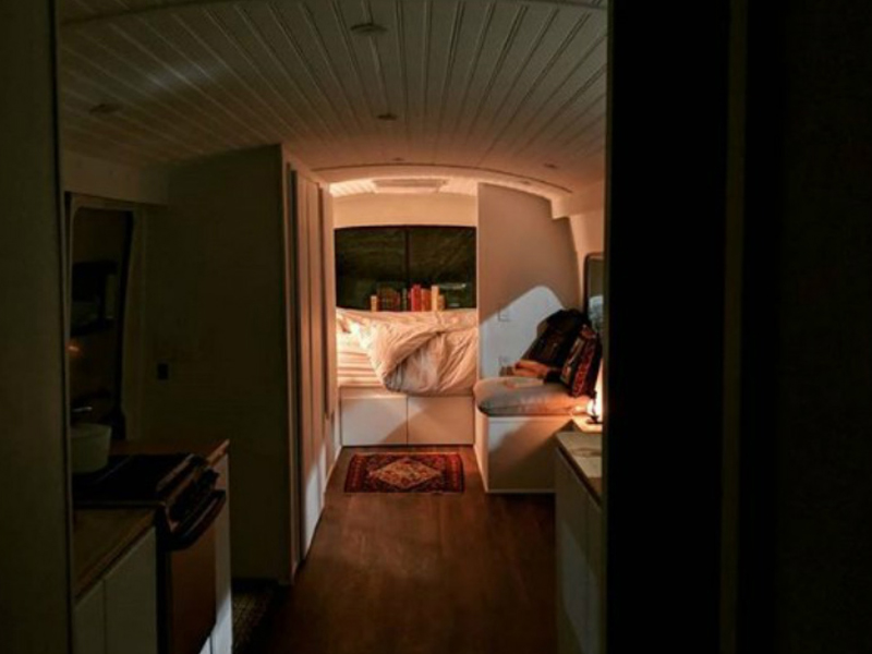 jessie lipskin had no TV in her new tiny bus home