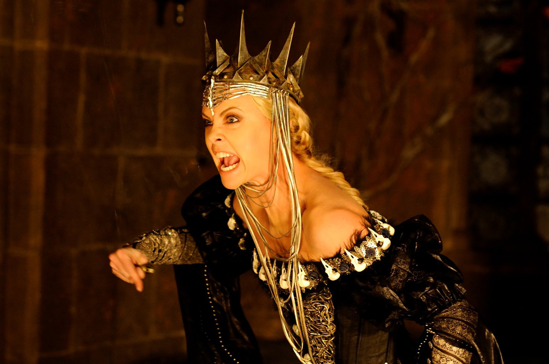 snow-white-and-the-huntsman_ Charlize Theron yelling