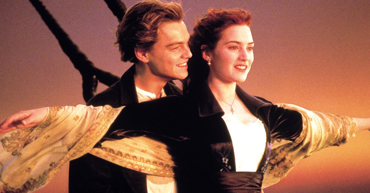 leonardo dicaprio and kate winslet on the front of the titanic ship