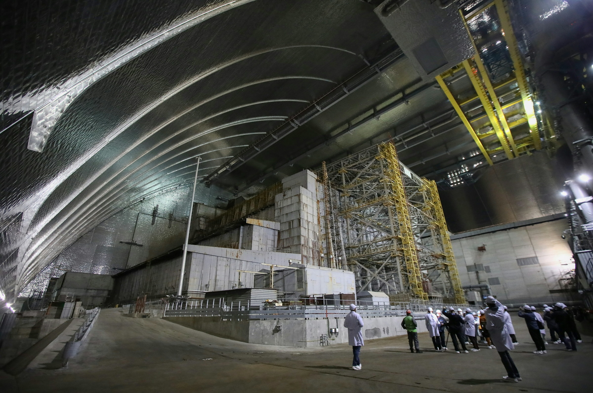 chernobyl sarcophagus inside new safe confinement