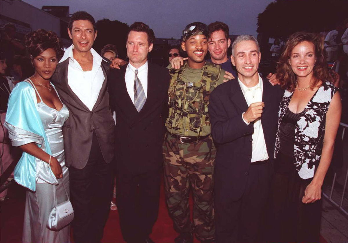 Independence Day film cast at premiere of movie