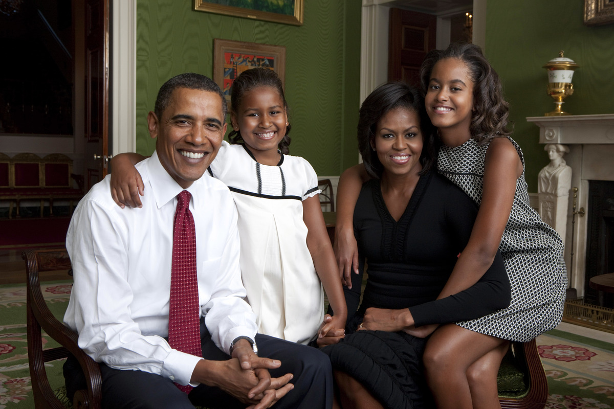 Photo of the obama family in 2009