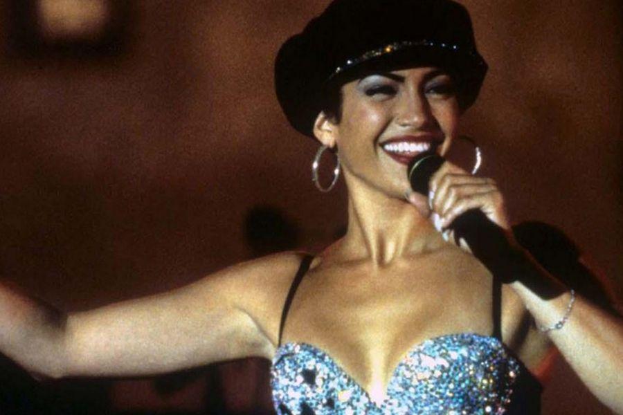jennifer lopez as selena singing at concert