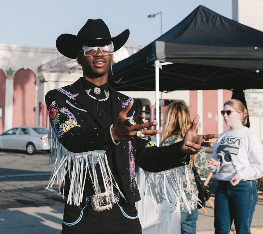 lil nas looking cool pointing finger guns