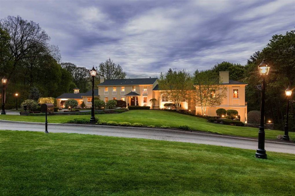 Albany new york estate
