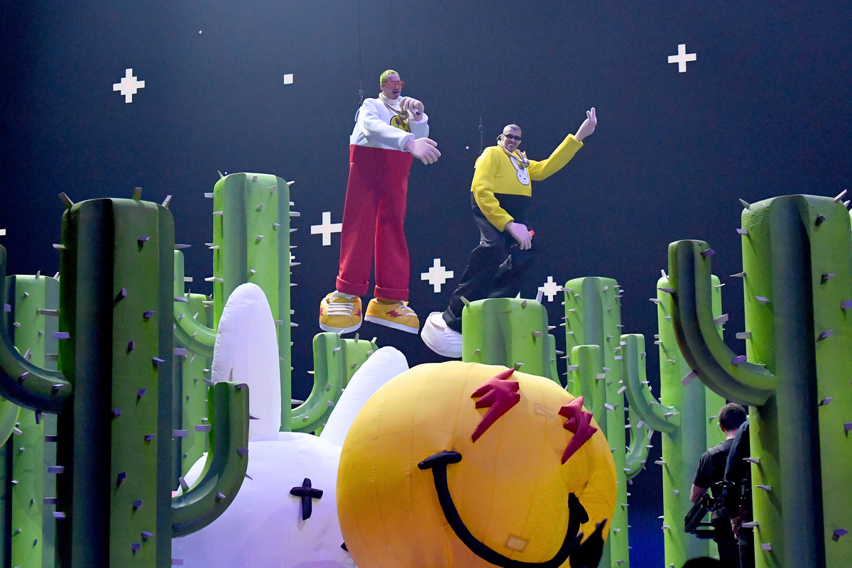Balvin and Bad Bunny at Mtv VMAs
