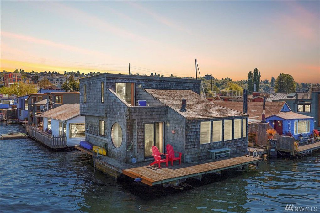 Seattle, WA floating home