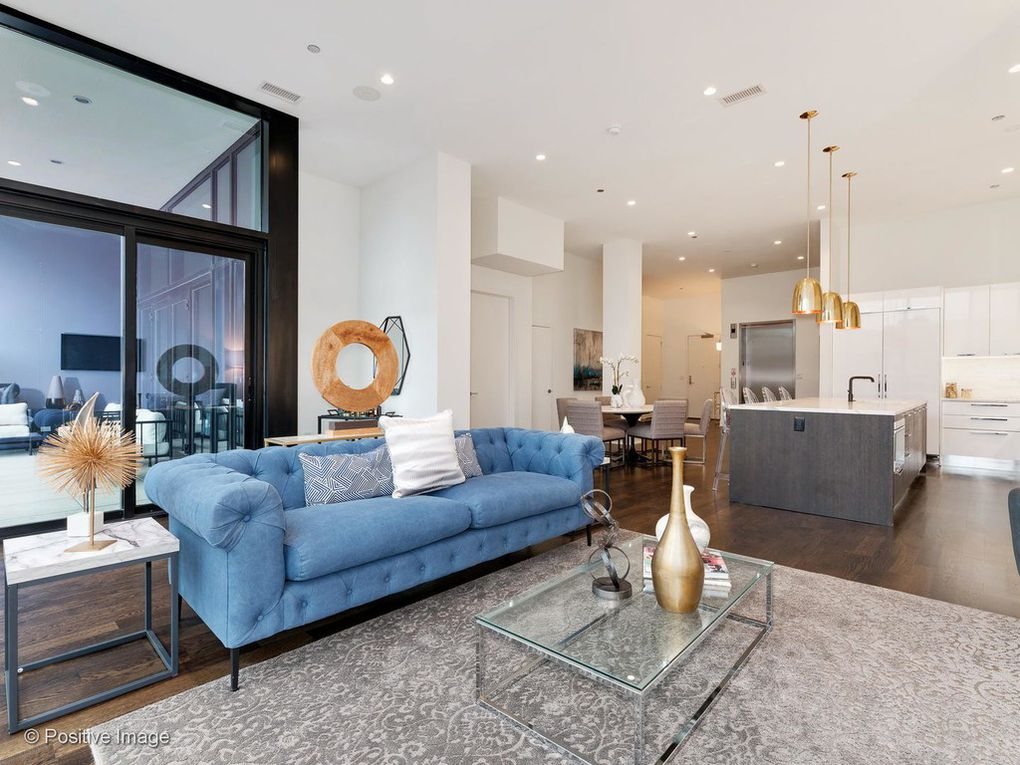 $2.75M condo in Chicago