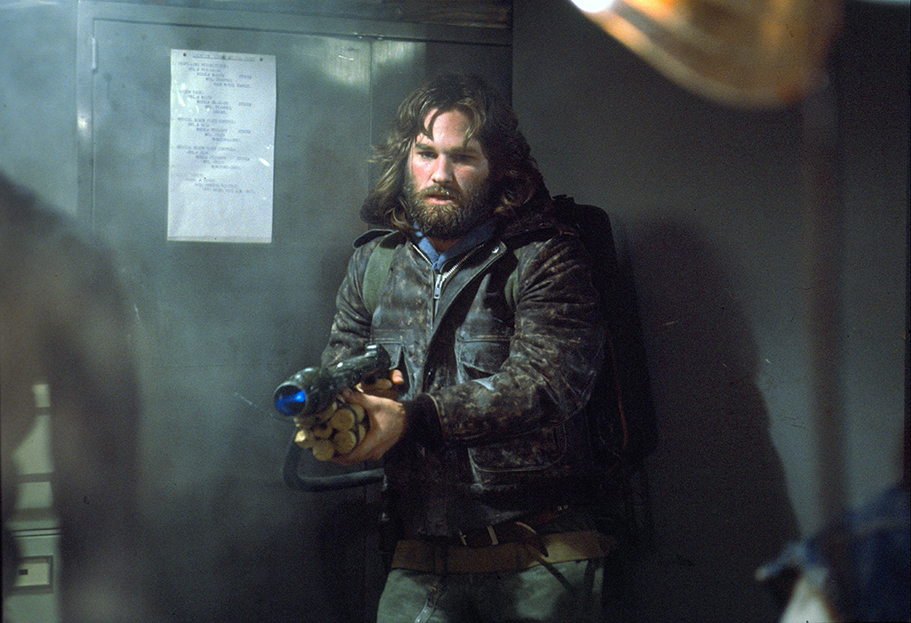 Kurt Russel with weapon