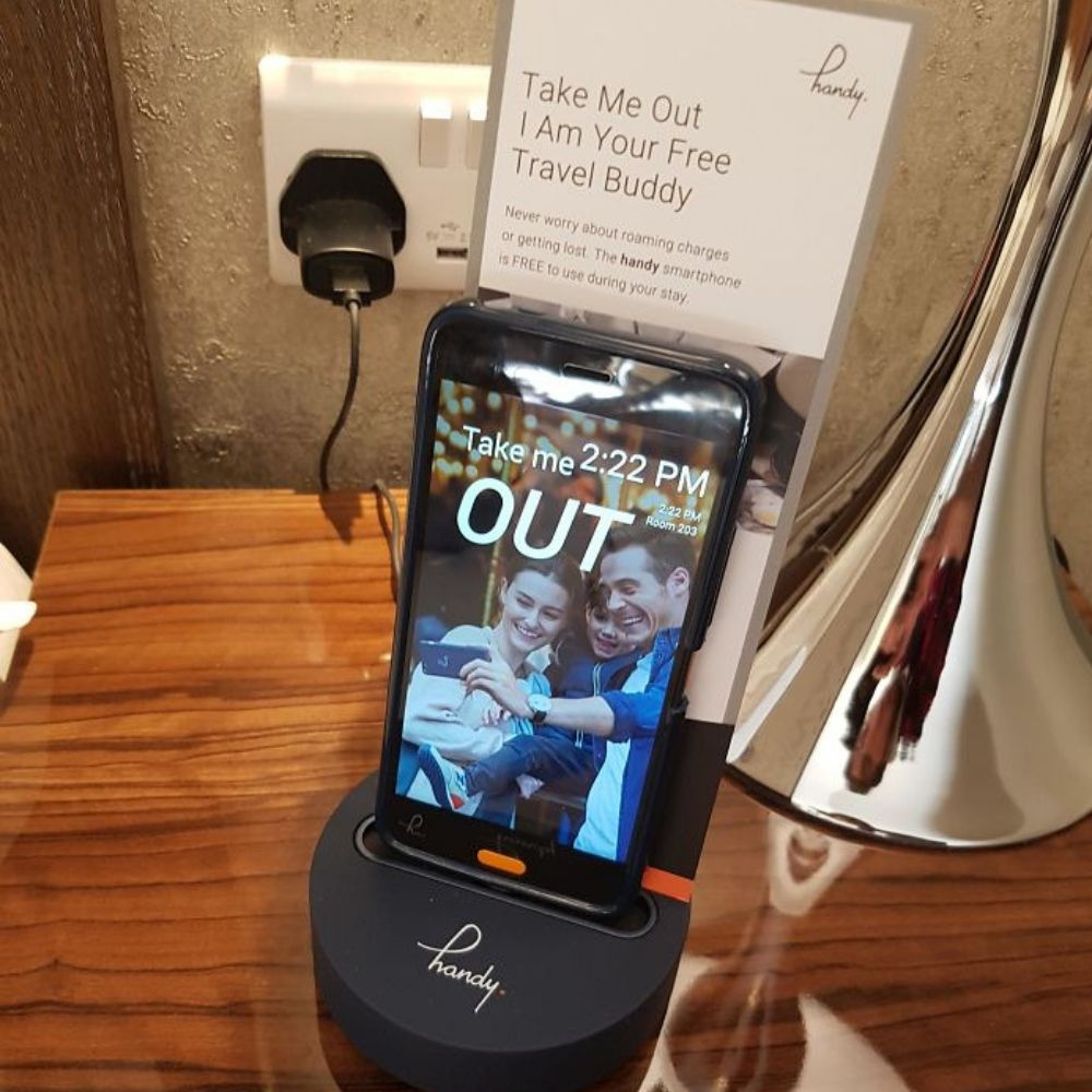free phone to use while staying at hotel