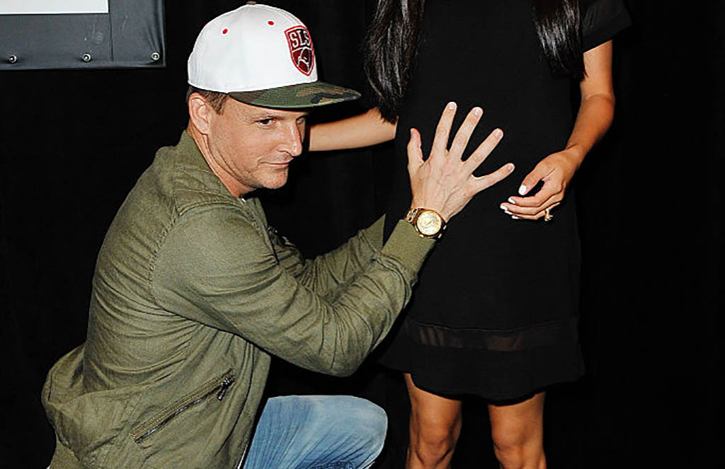 Dyrdek with pregnant wife