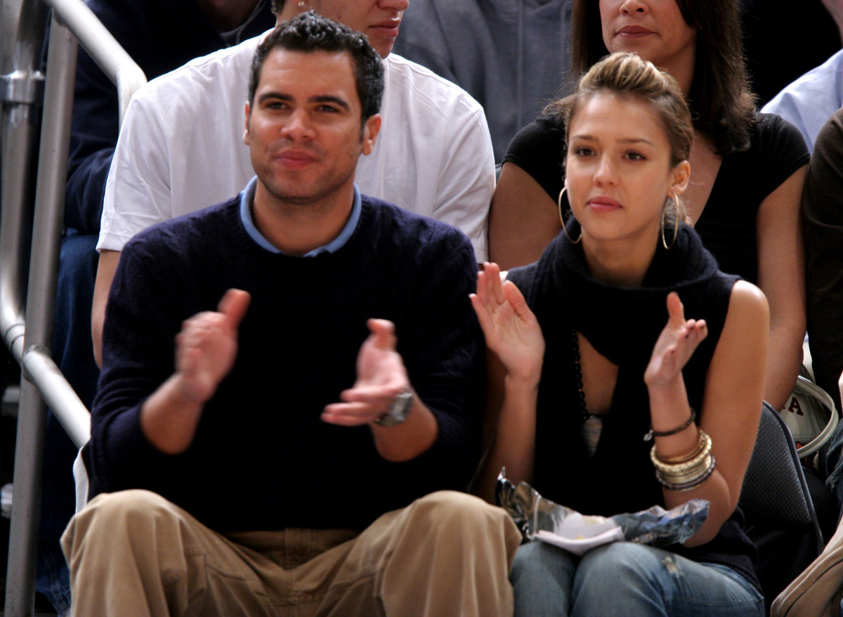 Celebrities Attend Golden State Warriors vs New York Knicks Game - November 6, 2005
