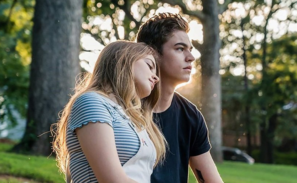 Josephine Langford and Hero Fiennes-Tiffin in After