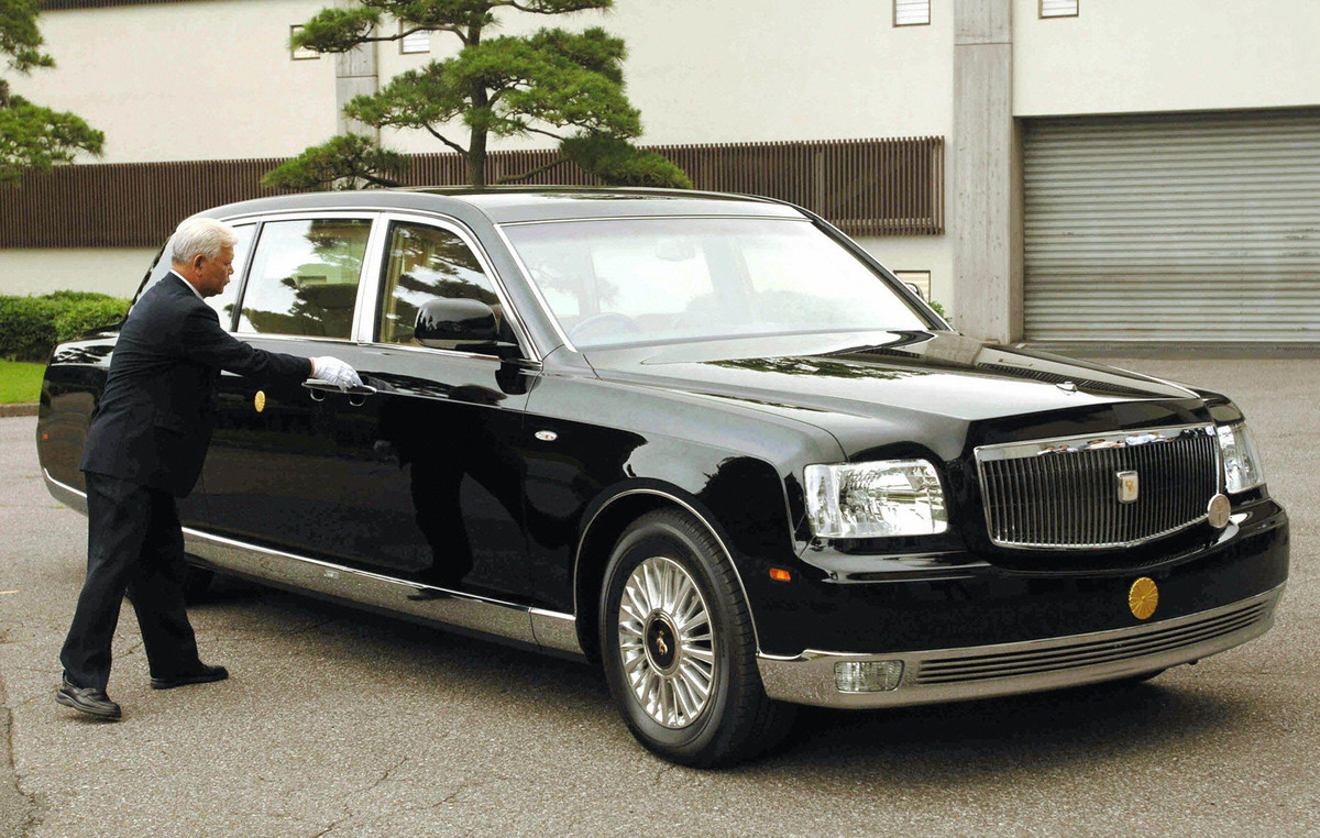 royal century toyota turned into a limo