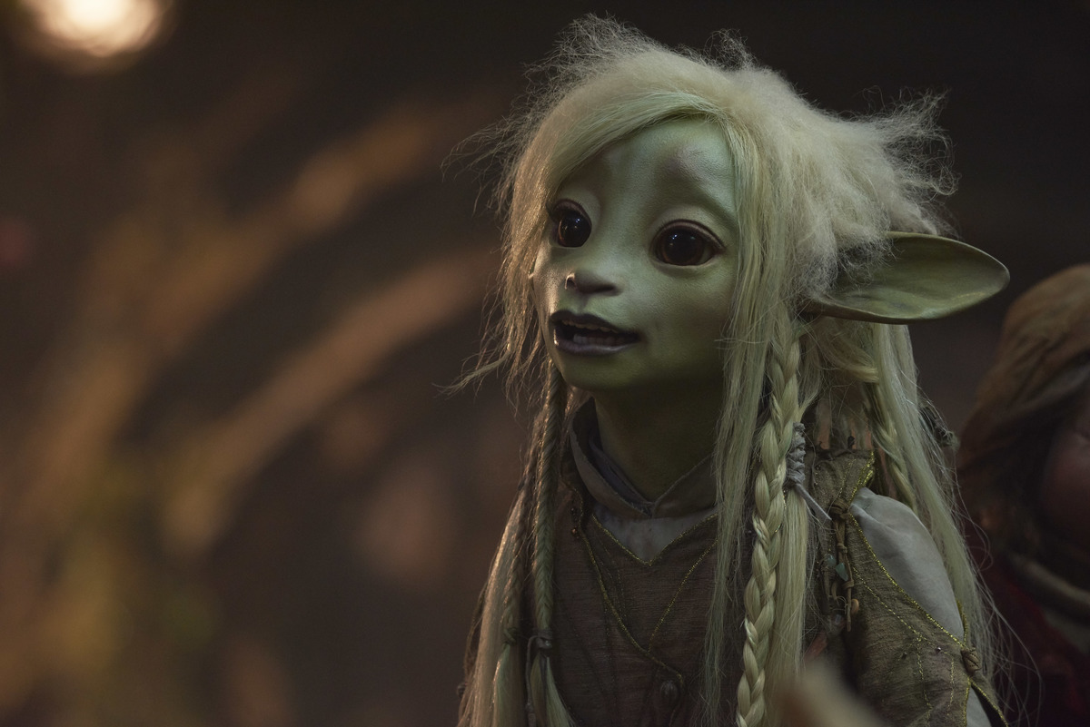 a still from the dark crystal the age of resistance