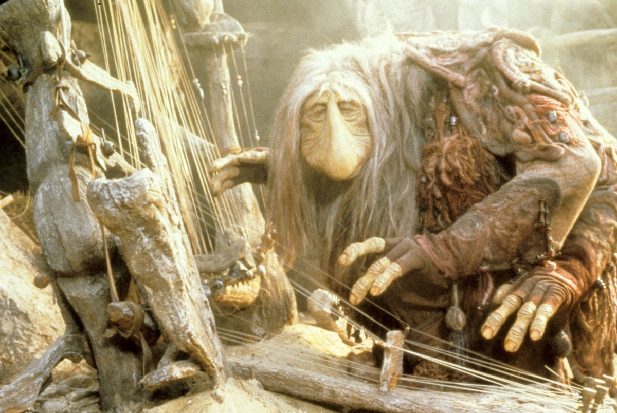 a mystic puppet from the dark crystal