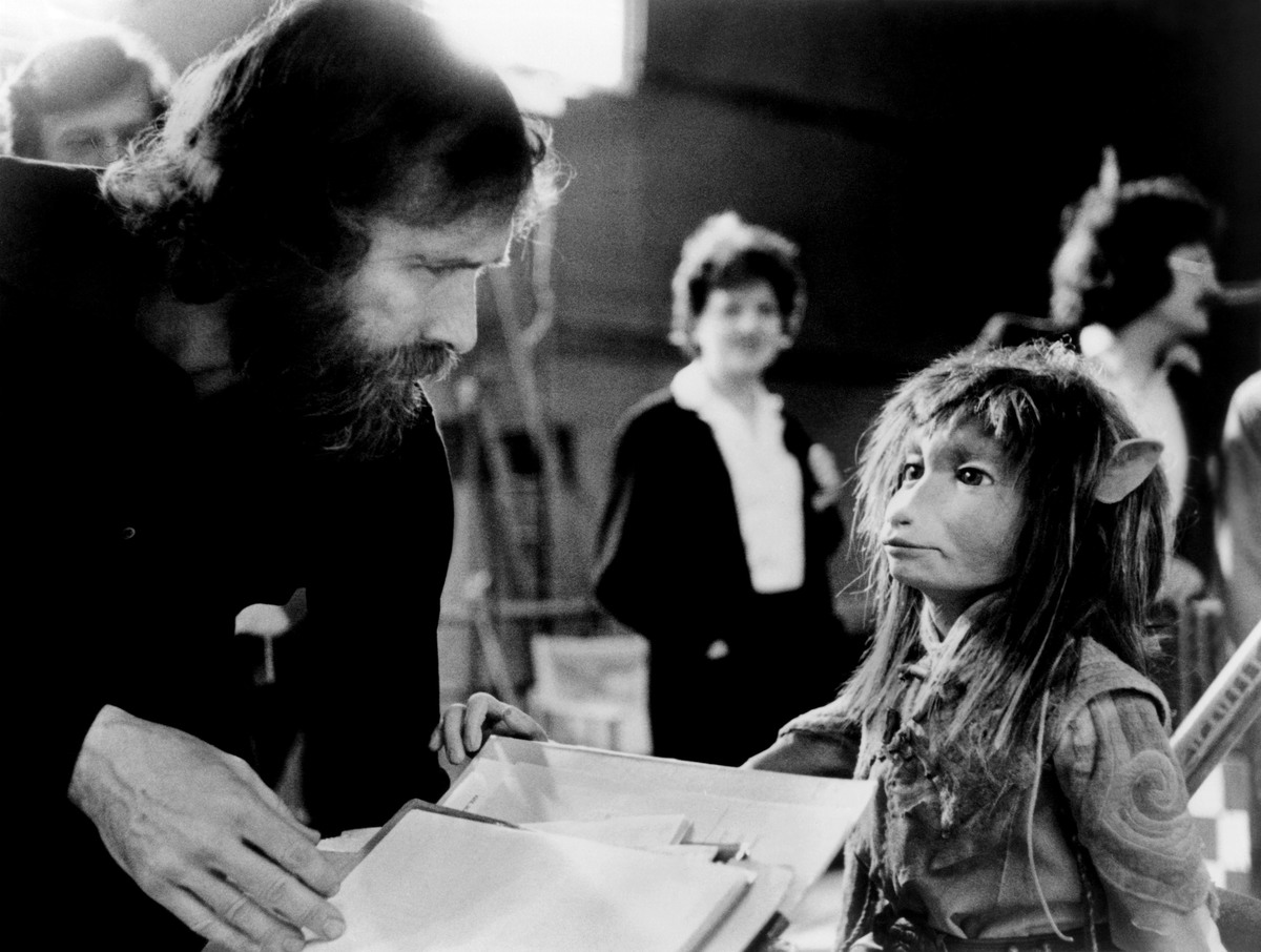 jim henson with puppets from the dark crystal