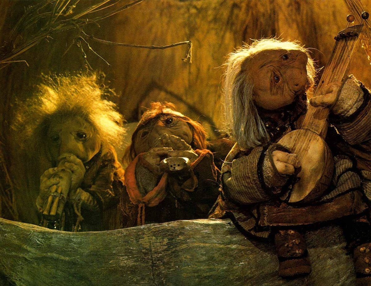 a still of the podlings from the dark crystal