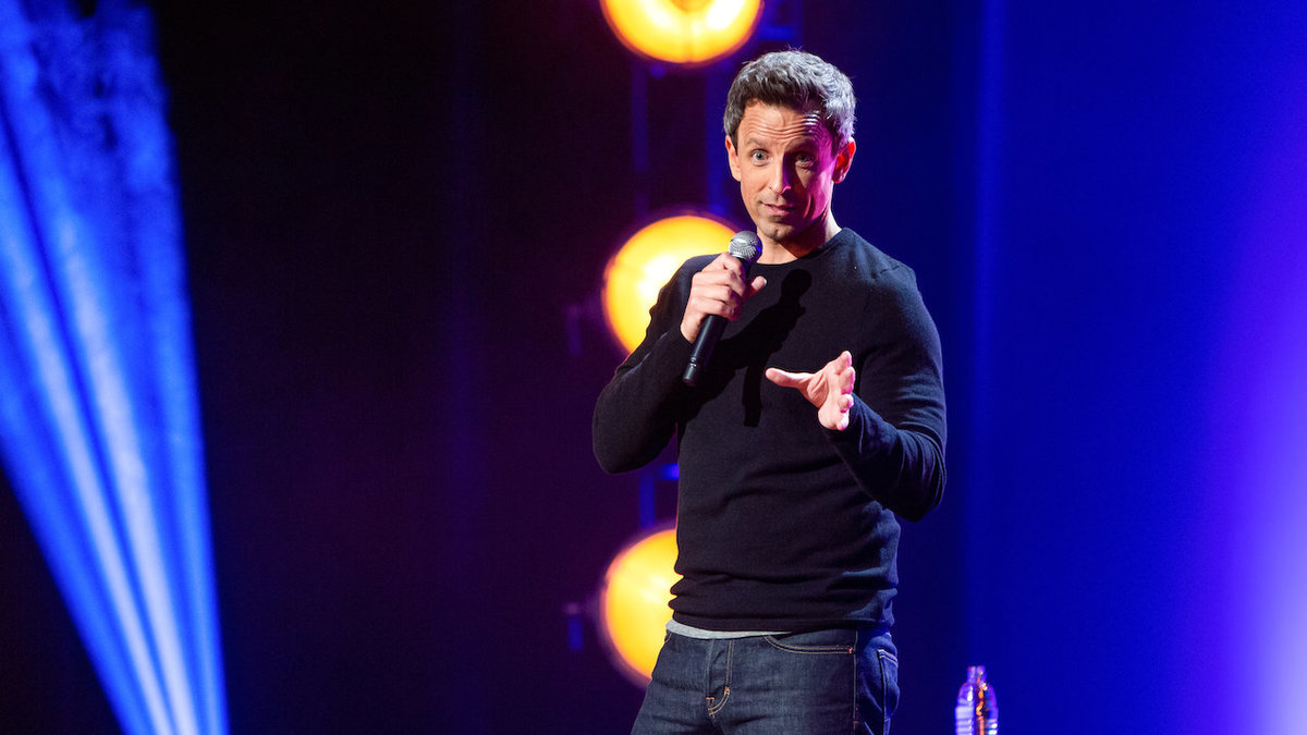 seth meyers doing stand up comedy on stage