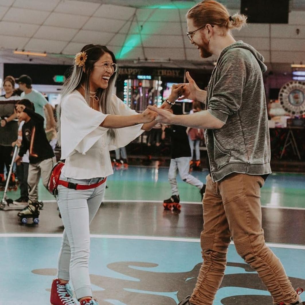 skates rollering