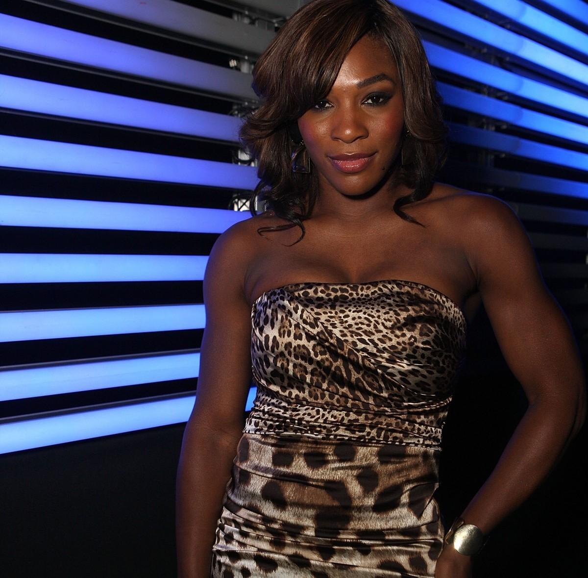 Serena wears a cheetah-print outfit.