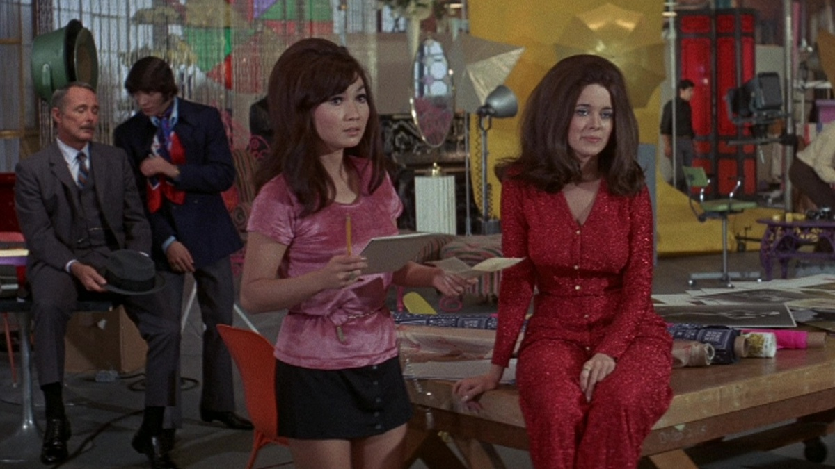 two women in a still from beyond the valley of the dolls