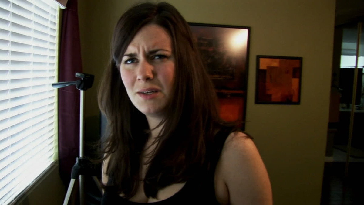 katie featherston in a still from paranormal activity
