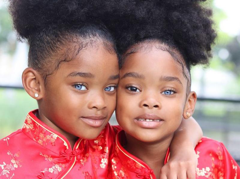 trueblue-twins-02