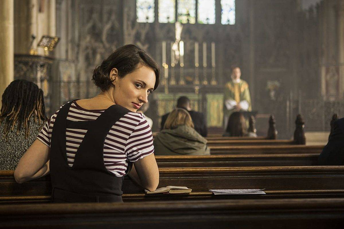phoebe waller-bridge sitting in a church in fleabag
