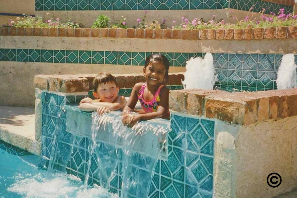 friends in water