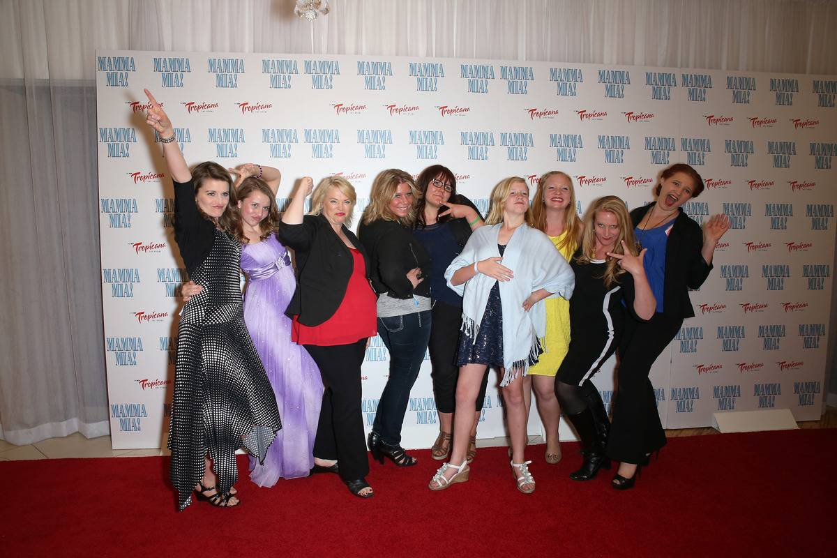 Some wives and their daughters on Sister Wives joke around on the premiere of Mamma Mia.
