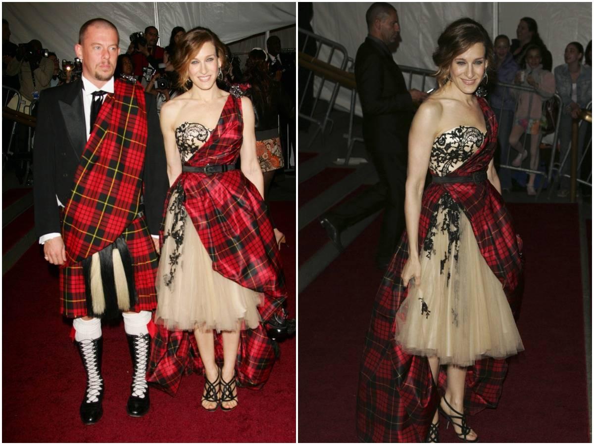 Sarah Jessica Parker attends the 2006 met gala with designer Alexander McQueen.