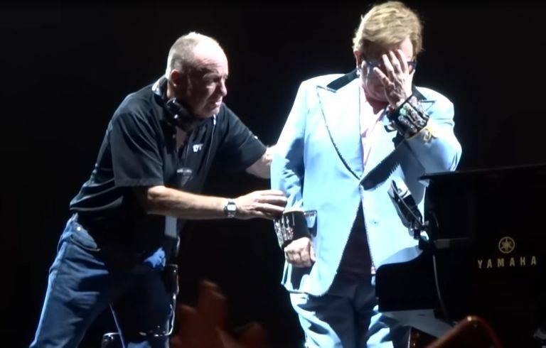Elton-John-Breakdown-768w