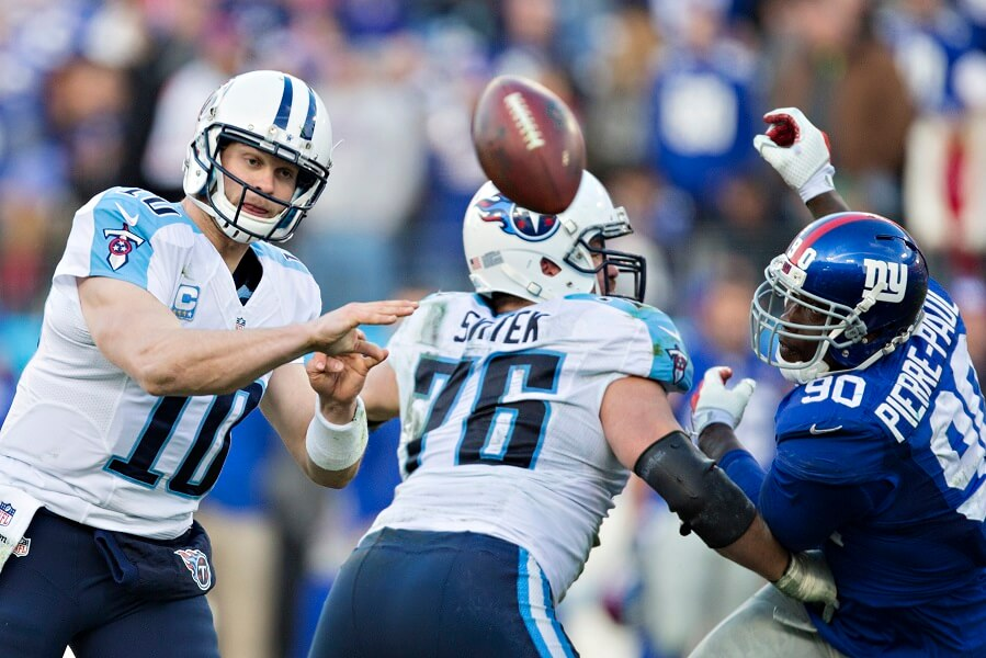 Jake Locker throwing a bad pass during his less than perfect NFL career